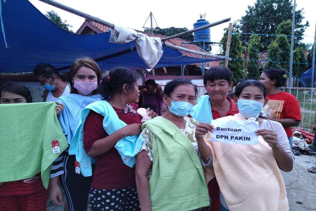DPN PAKIN Serahkan Bansos Korban Banjir di Karawang