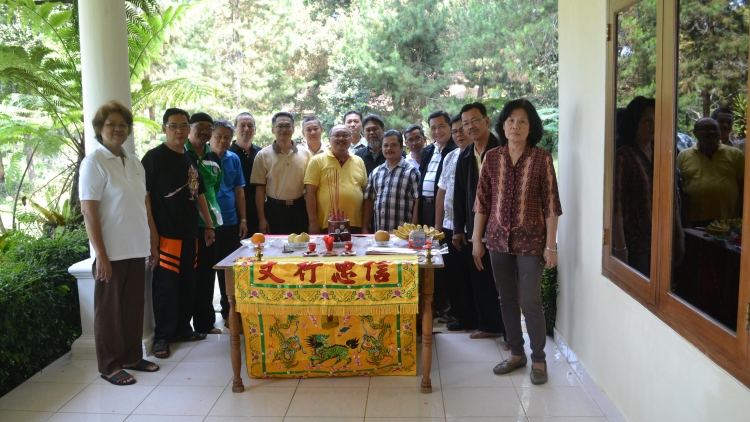 Diskusi dan Pelatihan Rohaniwan Pembina Di Mega Mendung